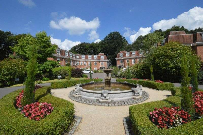 2 Bedrooms Flat for sale in Shottermill Park, Haslemere