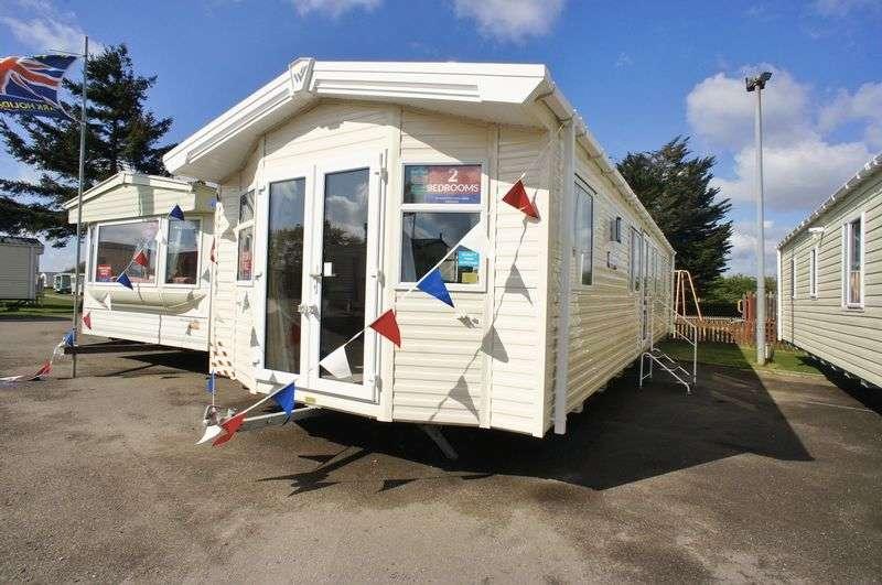 2 Bedrooms Flat for sale in Willerby Brockenhurst Colchester Road, St Osyth
