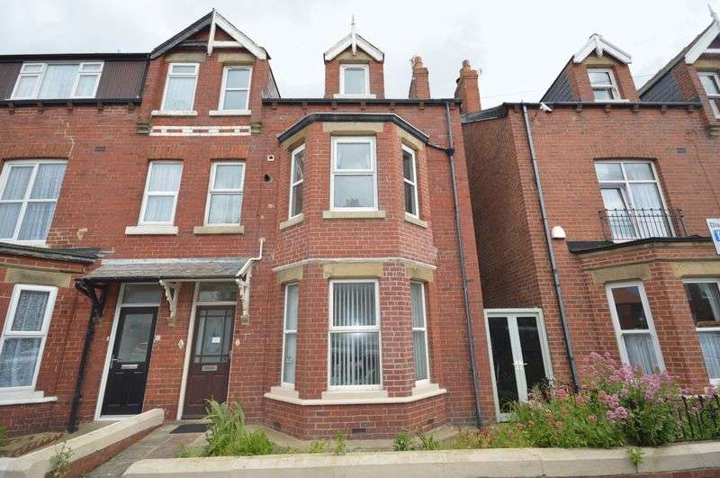 2 Bedrooms Flat for sale in Ocean Road, Whitby