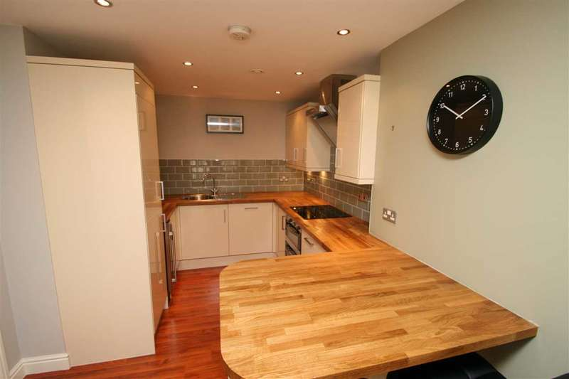 2 Bedrooms Apartment Flat for sale in The Bar, St James Gate, Newcastle upon Tyne