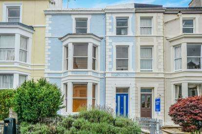 2 Bedrooms Flat for sale in Church Walks, Llandudno, Conwy, Flat, LL30
