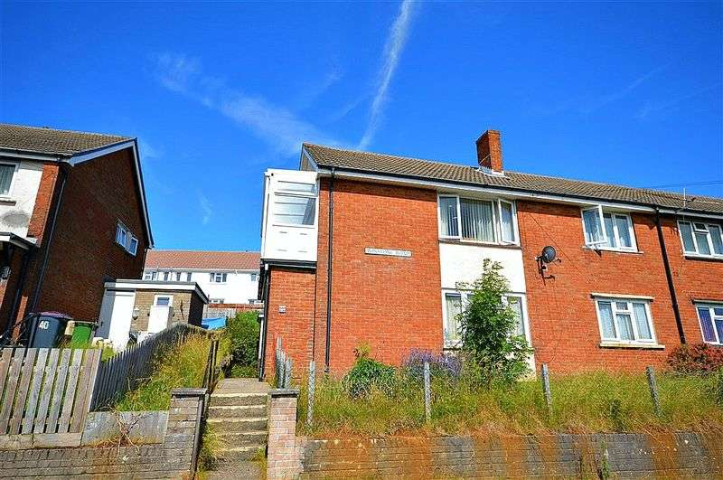 2 Bedrooms Flat for sale in Winstone Road, Pontypool