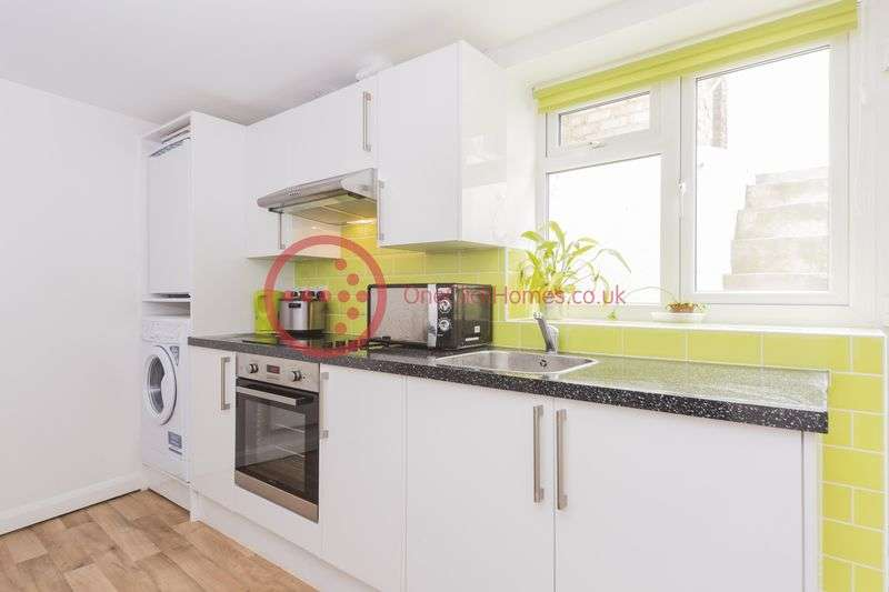 1 Bedroom Flat for sale in Langthorne Road, Leyton E10