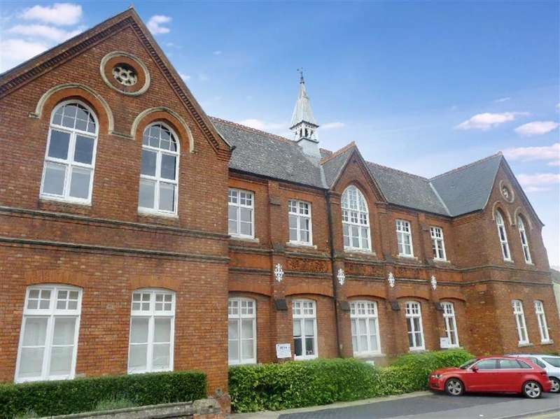 2 Bedrooms Property for sale in Gilberts Hill School House, Dixon Street, Old Town, Wiltshire