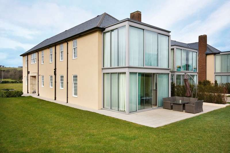 3 Bedrooms Flat for sale in Talbot House, Hensol Castle Park, Hensol, Vale Of Glamorgan