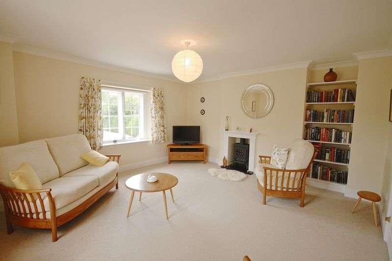 2 Bedrooms Flat for sale in Puddletown, Dorchester, DT2