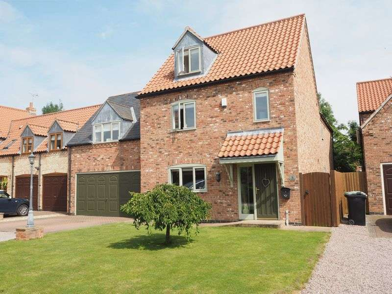 4 Bedrooms Detached House for sale in Little Barn Court, Claypole