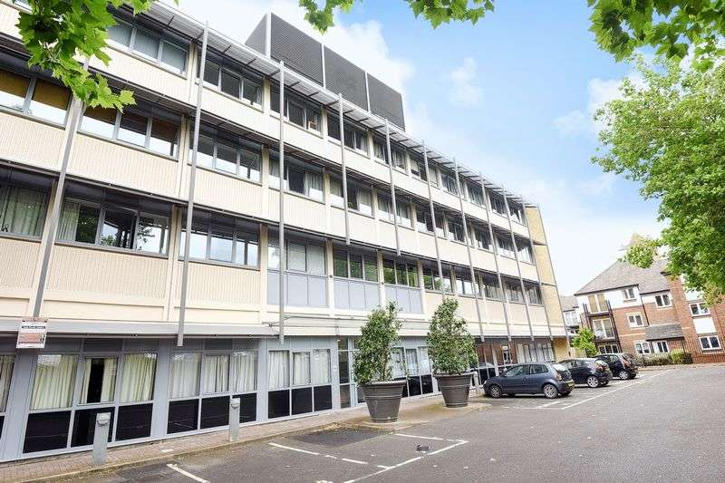 1 Bedroom Flat for sale in Cowley
