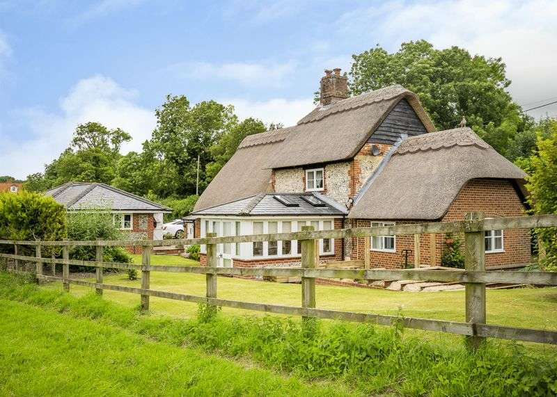 3 Bedrooms Detached House for sale in Egbury, St. Mary Bourne