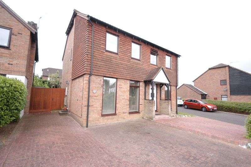 2 Bedrooms Semi Detached House for sale in Mayfair Avenue, Maidstone