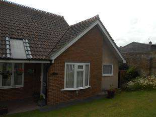 1 Bedroom Bungalow for sale in Walnut Tree Drive, Sittingbourne, Kent