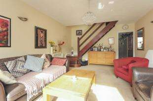 2 Bedrooms Terraced House for sale in Henville Road, Bromley, Henville Road, Bromley