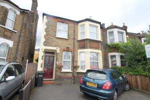 4 Bedrooms Semi Detached House for sale in Brighton Road, South Croydon