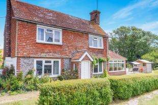 3 Bedrooms Detached House for sale in Mill Lane, Hooe, Battle, East Sussex