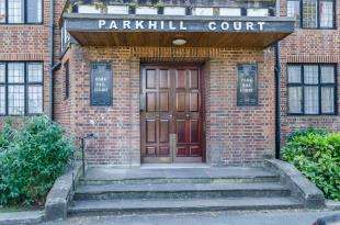 1 Bedroom Flat for sale in Park Hill Court, Addiscombe Road, Croydon
