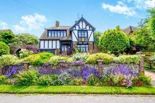 4 Bedrooms Detached House for sale in Dean Court Road, Rottingdean, Brighton, East Sussex