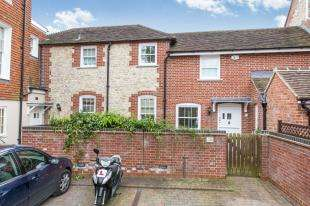 3 Bedrooms Terraced House for sale in The Clock House, Lamberts Lane, Midhurst, West Sussex