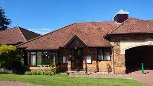 2 Bedrooms Bungalow for sale in Cross Lane Gardens, Ticehurst, Wadhurst, East Sussex