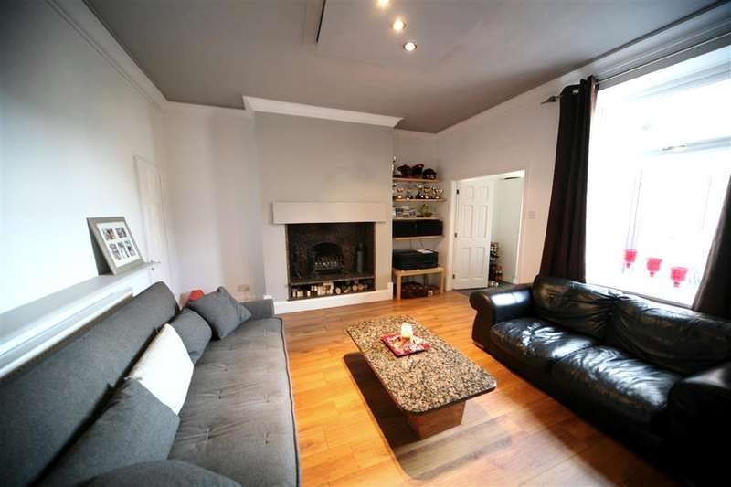 3 Bedrooms Property for sale in Hollymount, Helmshore, Rossendale