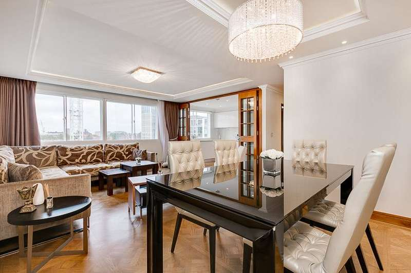 3 Bedrooms Flat for sale in Durrels House, Warwick Gardens, London, W14