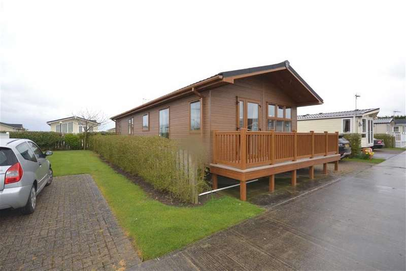 3 Bedrooms Property for sale in Eastfield, Far Grange Caravan Park, Hornsea Road, SKIPSEA, East Yorkshire