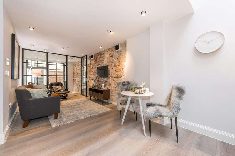 2 Bedrooms Maisonette Flat for sale in Bourlet Close, London, W1W