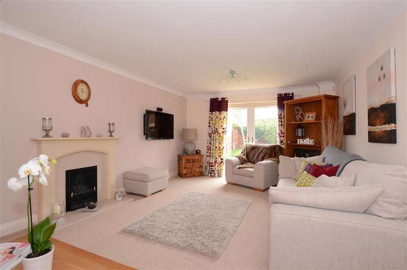 4 Bedrooms Detached House for sale in The Hamlets, Climping, West Sussex