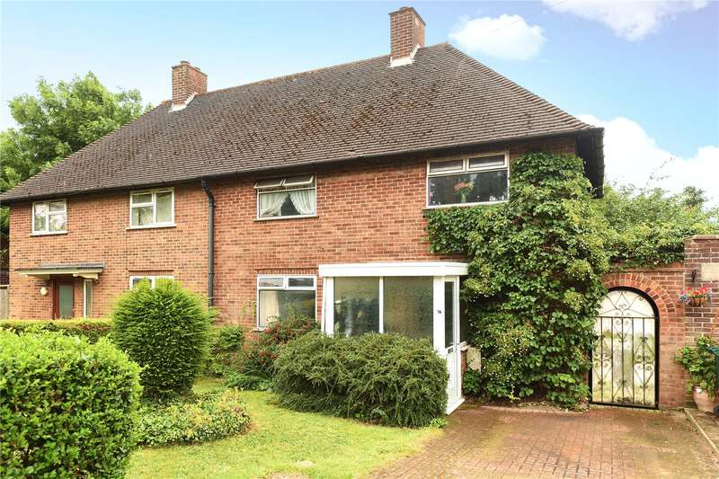 3 Bedrooms Semi Detached House for sale in The Queens Drive, Mill End, Hertfordshire, WD3