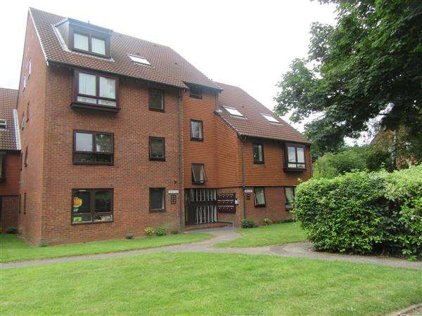 2 Bedrooms Apartment Flat for sale in Norfolk House, Kings Norton, Birmingham