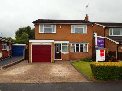 4 Bedrooms Detached House for sale in Calder Avenue, Crewe, Cheshire