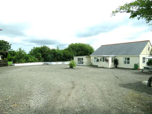 6 Bedrooms Equestrian Facility Character Property for sale in 12 Acre Organic Small Farm, 3 Miles from Truro