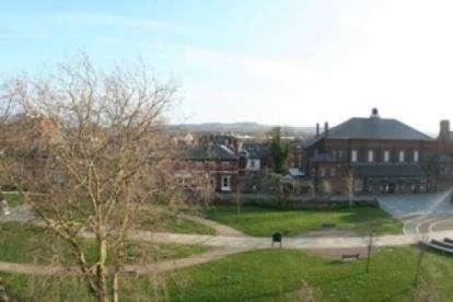 3 Bedrooms Flat for sale in Knightsbridge Court, Palmyra Square North, Warrington, Cheshire, WA1