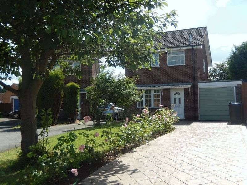 3 Bedrooms Detached House for sale in Langdale Grove, Nottingham