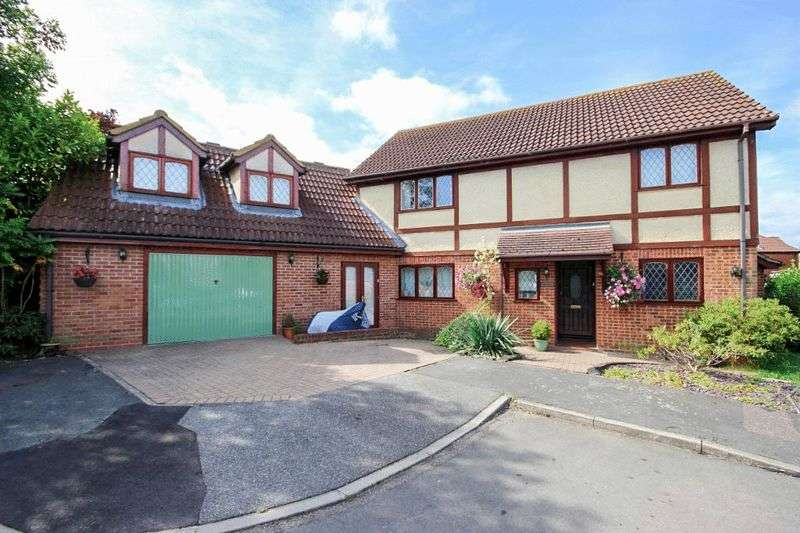 4 Bedrooms Property for sale in Elm Gardens, North Weald, Essex, CM16