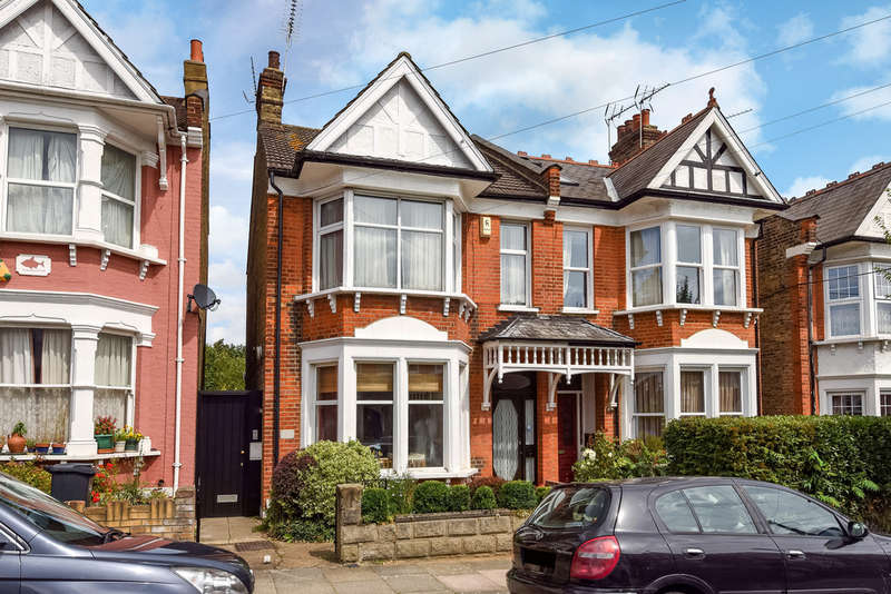 2 Bedrooms Ground Flat for sale in Windsor Road, Palmers Green