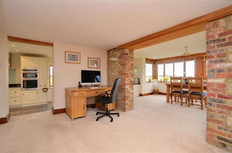 4 Bedrooms Detached House for sale in Church Road, Burmarsh, Kent