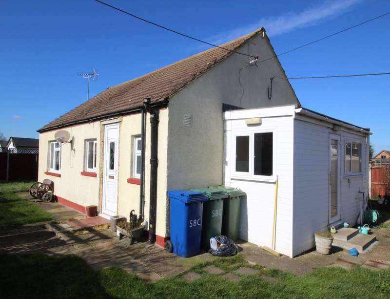 2 Bedrooms Detached Bungalow for sale in Cartref Eastern Road, Leysdown-On-Sea, Sheerness, ME12