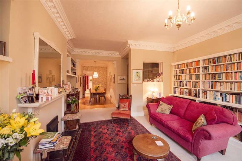 3 Bedrooms Flat for sale in Marine Parade, Brighton, East Sussex