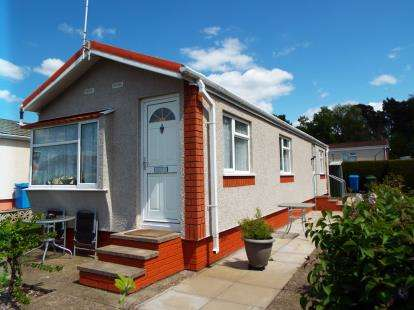 2 Bedrooms Mobile Home for sale in The Pines Homes Park, Huntington, Cannock, Staffordshire