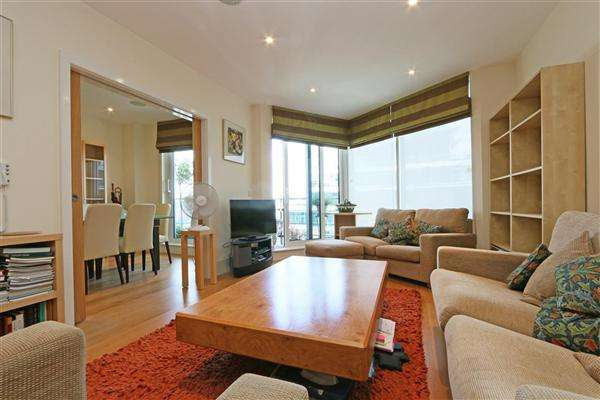 3 Bedrooms Apartment Flat for sale in Baltimore House, Battersea Reach, Juniper Drive, London