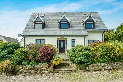 4 Bedrooms Detached House for sale in Lon Willis, Mynytho, Gwynedd, LL53
