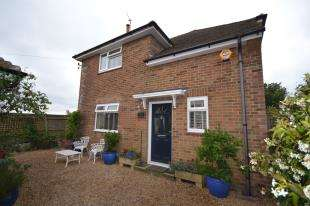 3 Bedrooms Detached House for sale in Netherfield, Battle, East Sussex