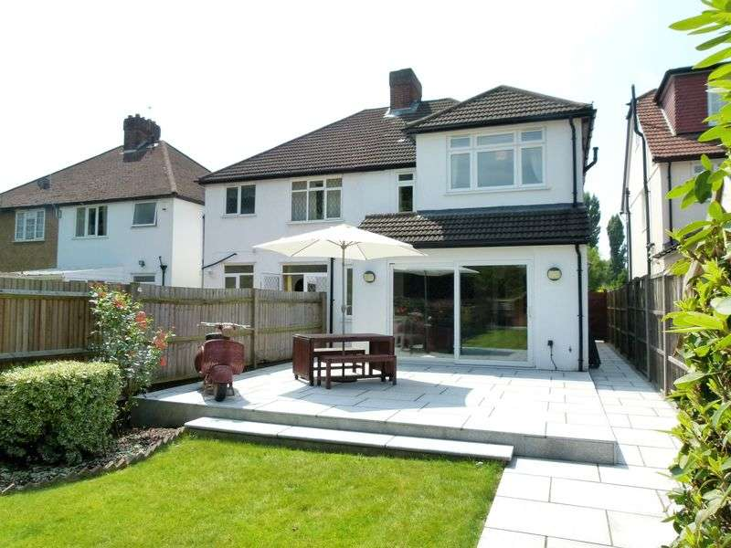 4 Bedrooms Semi Detached House for sale in Tavistock Avenue, St. Albans