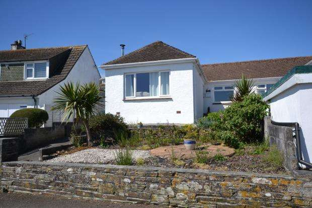 2 Bedrooms Semi Detached Bungalow for sale in Cleveland Avenue, Looe, Cornwall