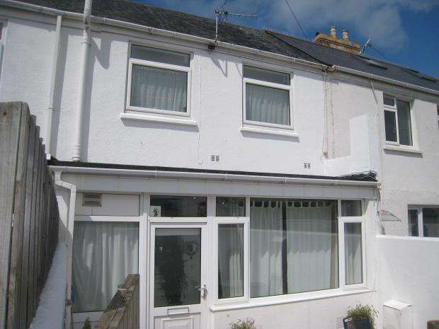 2 Bedrooms Terraced House for sale in Cheltenham Place, Newquay, Cornwall