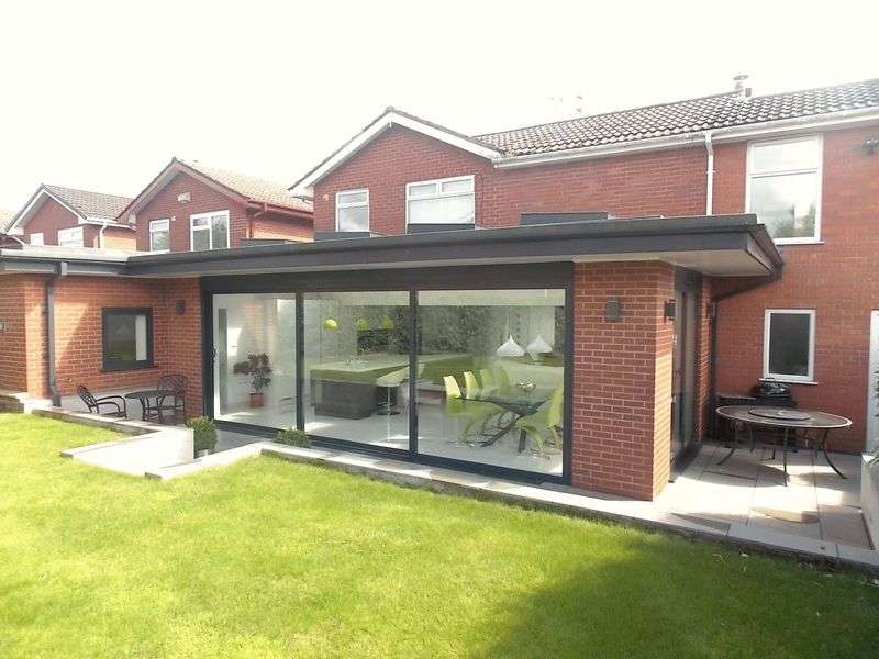 3 Bedrooms Detached House for sale in Landedmans, Westhoughton, Bolton