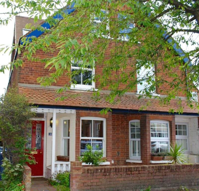 4 Bedrooms Property for sale in Marlow