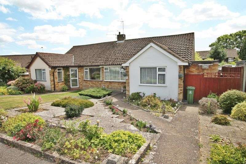 3 Bedrooms Semi Detached Bungalow for sale in Peatmore Close, Pyrford