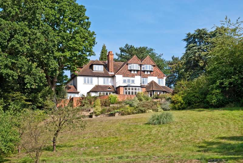 7 Bedrooms Detached House for sale in Danes Hill, The Hockering, Woking, Surrey, GU22