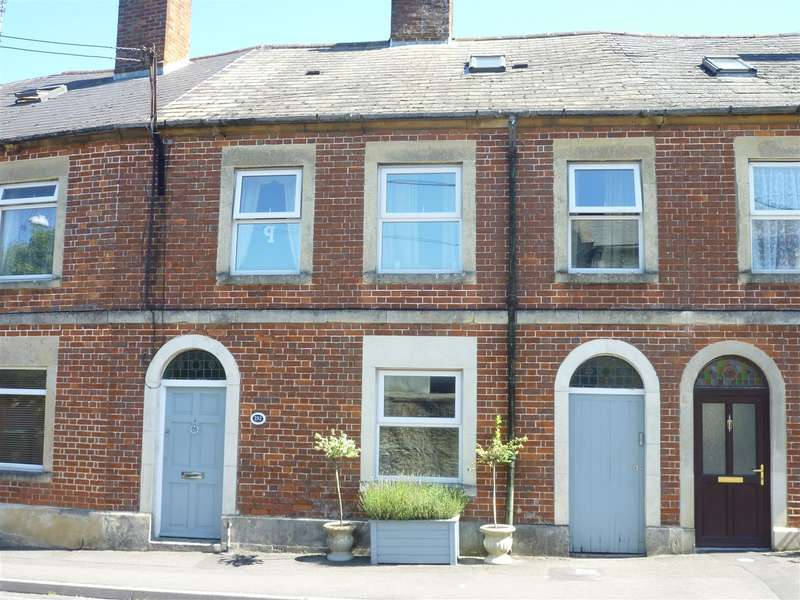 4 Bedrooms Property for sale in Hilperton, Trowbridge